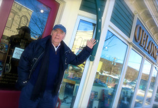 James Patterson visits Oblong Books in Millerton, NY as part of his $1 million personal donation to independent bookstores across the US.