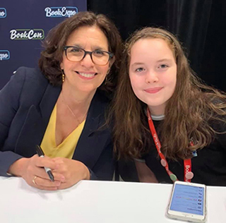 RJ Palacio talks with Elle Cohen at BookCon 2019