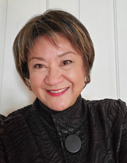 Suzette Martinez Standring is a book author and nationally syndicated columnist. She leads writing workshops based on her books, including workshops about mindful writing.